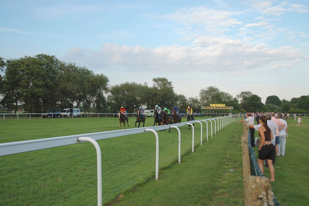AD4DK8 Royal Windsor racecourse. Image shot 2006. Exact date unknown.
