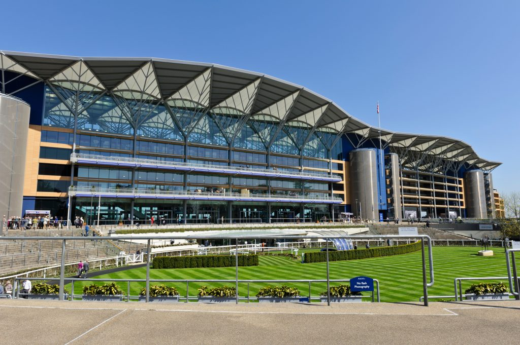 D8G2CH Ascot Racecourse stand, Berkshire, England, United Kingdom.